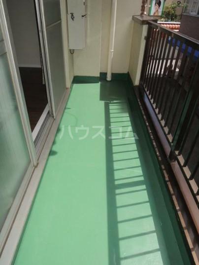 いづみレジデンスB棟 204号室のバルコニー