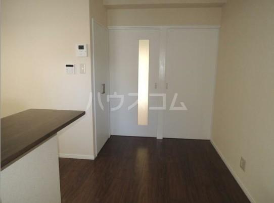 いづみレジデンスB棟 204号室のリビング