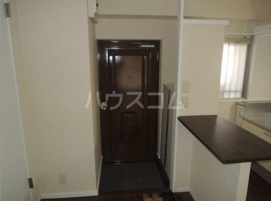 いづみレジデンスB棟 204号室の玄関