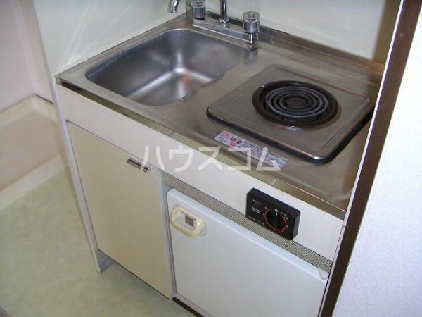 コーポ八千代 203号室のキッチン