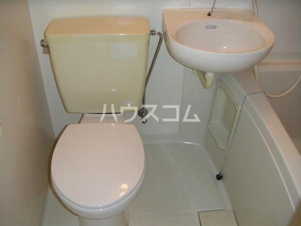 コーポ八千代 203号室のトイレ