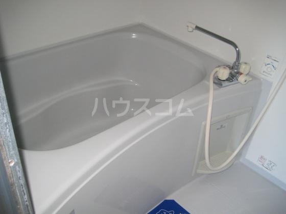 ホワイトヒル 202号室の風呂
