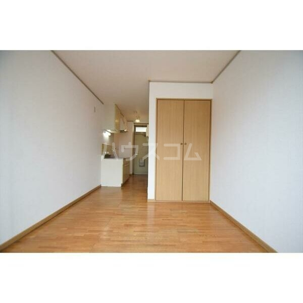 エステートピアMK 106号室のベッドルーム