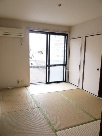ボナール滝澤A 101号室の居室