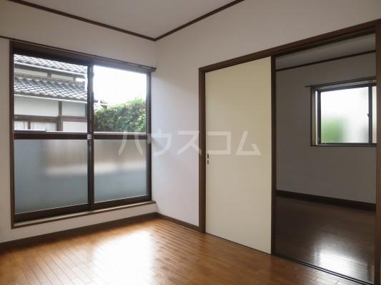 松風荘 102号室のバルコニー