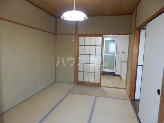 セゾン冨士 305号室の居室