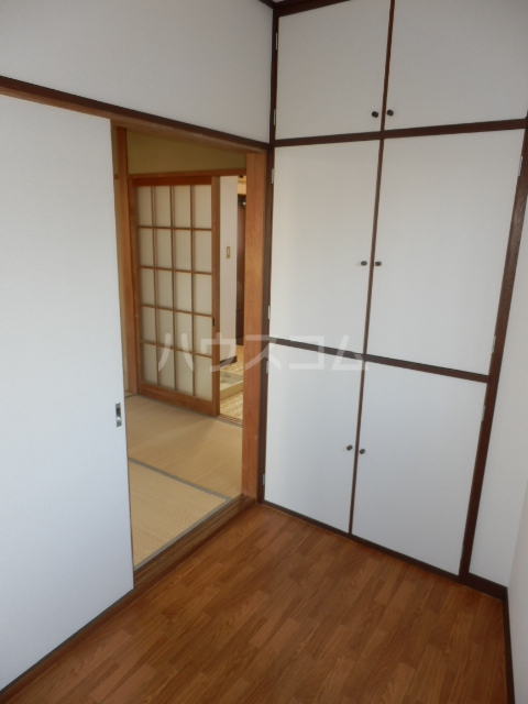セゾン冨士 305号室の収納