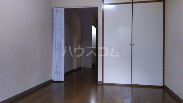ローリエ八幡山 101号室の居室
