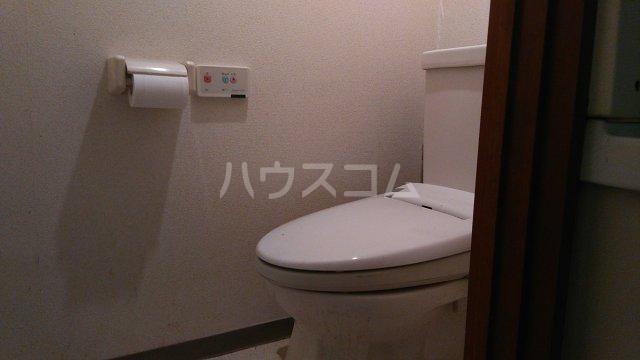 ローリエ八幡山 101号室のトイレ