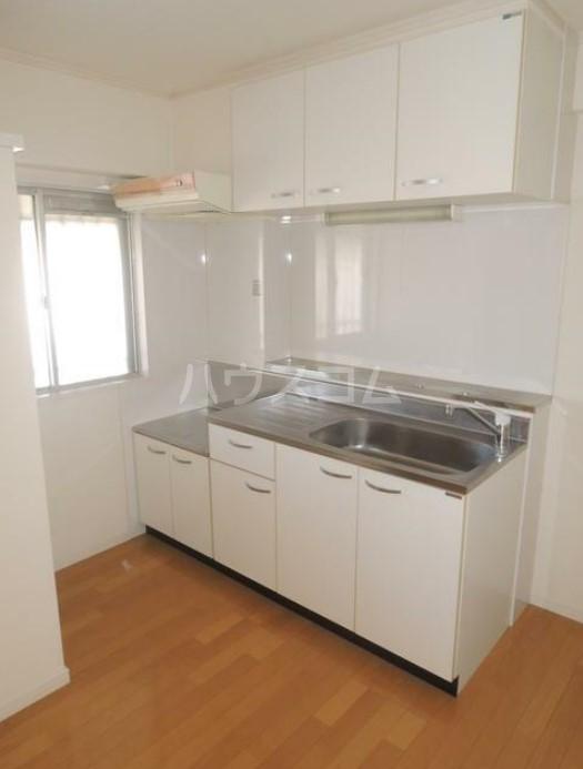 いづみレジデンスB棟 502号室のキッチン