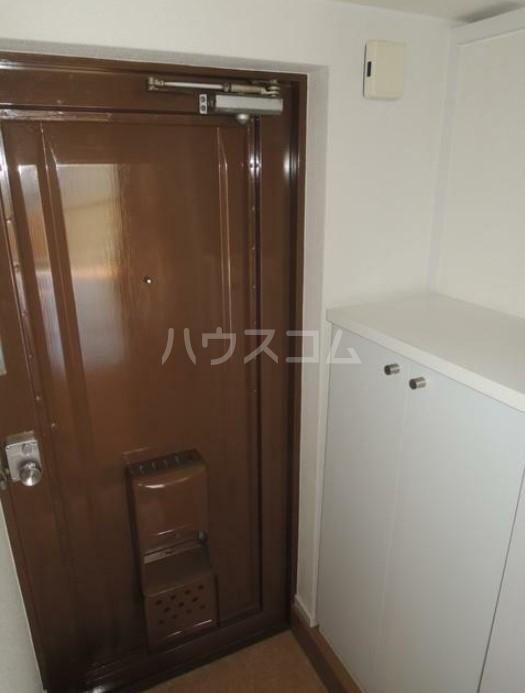 いづみレジデンスB棟 502号室の玄関