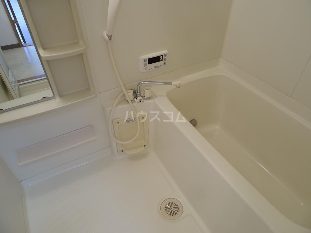 コスモス 601号室の風呂