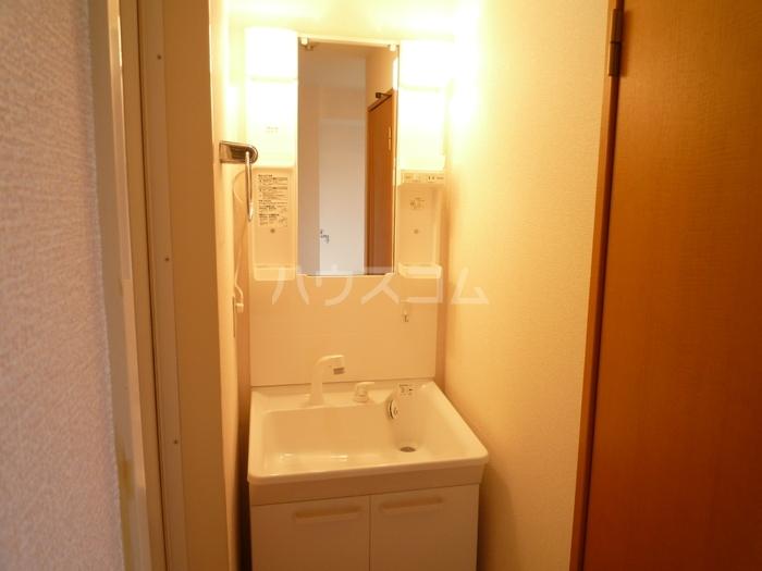 ズオン・ゼロ 302号室の洗面所