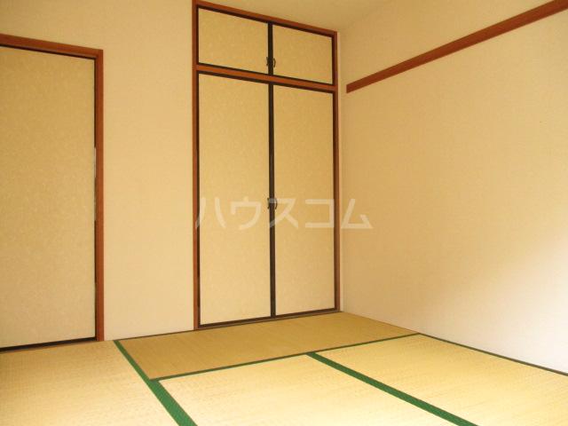 ドエルフォーラムD 102号室のベッドルーム