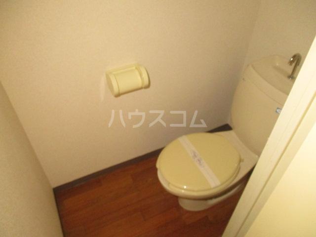 ドエルフォーラムD 102号室のトイレ