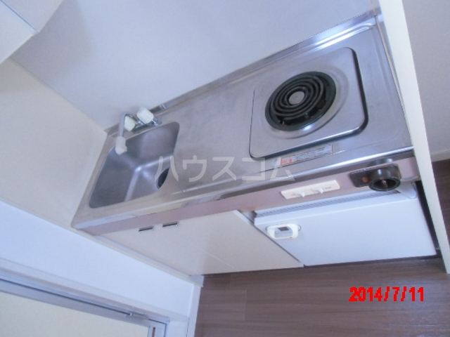ジュネパレス市川第22 203号室のキッチン