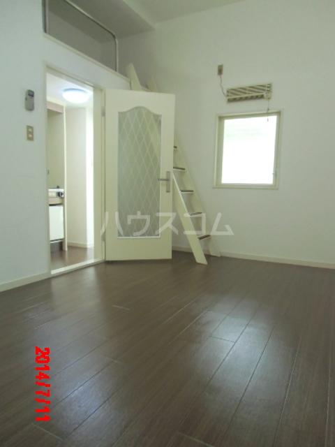 ジュネパレス市川第22 203号室の居室