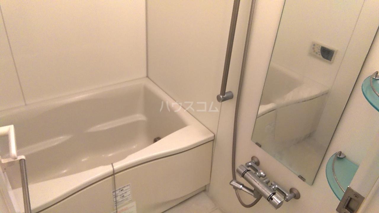 レジディア目白Ⅱ 405号室の風呂