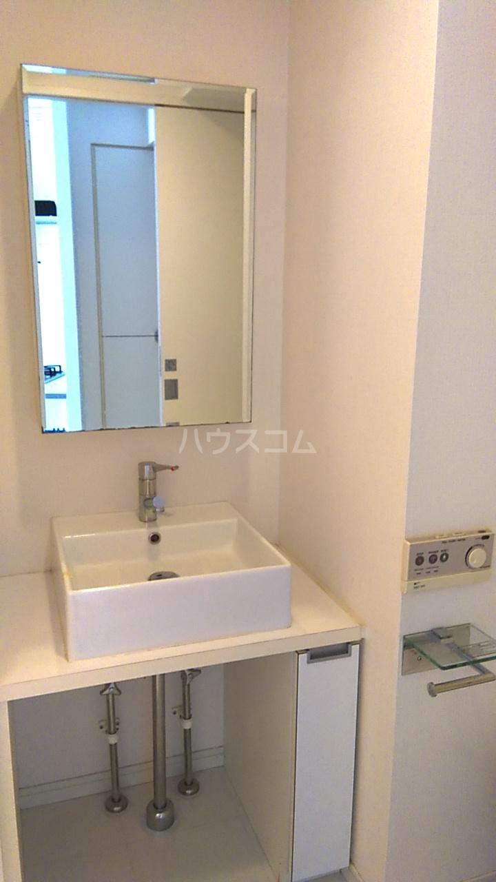 レジディア目白Ⅱ 405号室の洗面所