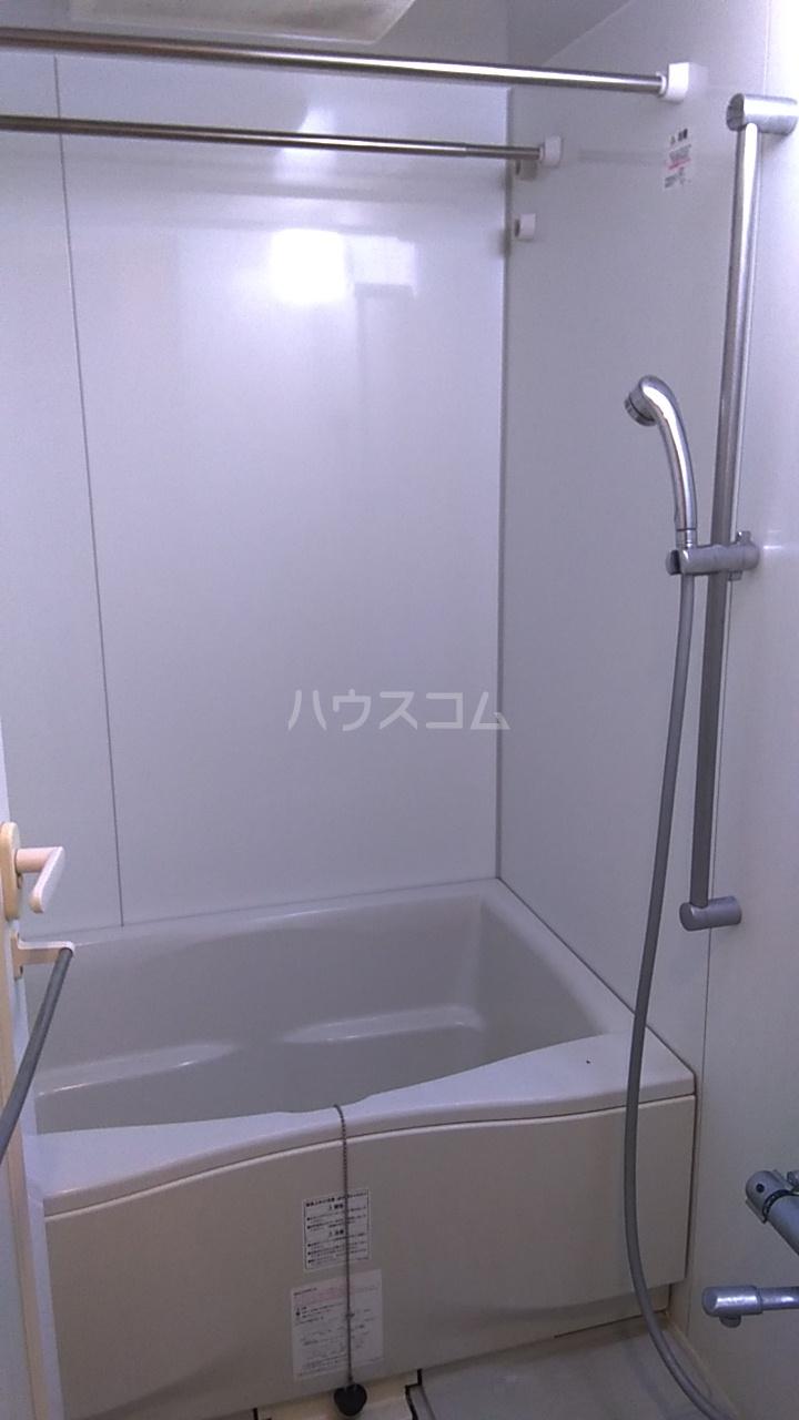 レジディア目白Ⅱ 604号室の風呂