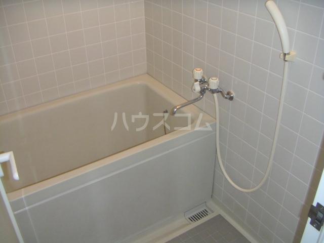 ラ・ポール七番館 206号室の風呂