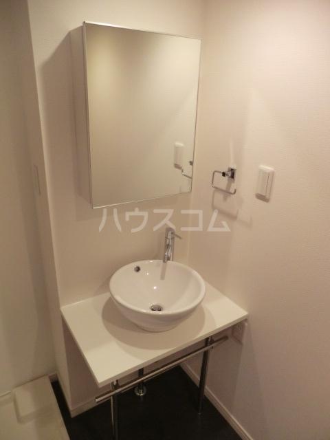 ウィルテラス千歳烏山 1301号室の洗面所