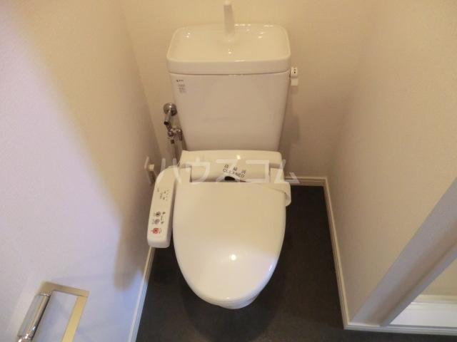 ウィルテラス千歳烏山 1301号室のトイレ