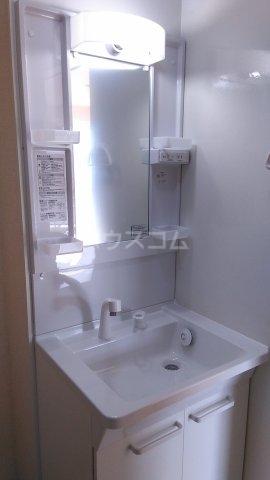ラ・プランタン クール 103号室の洗面所