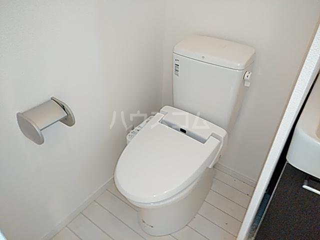 カーサドマーニ 202号室のトイレ