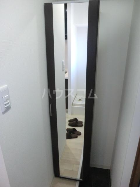 NEXTAGE新橋 201号室の玄関