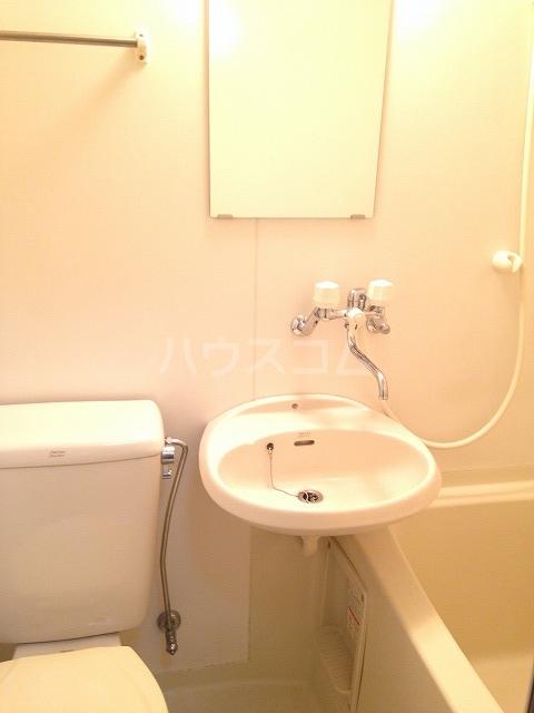 アビタⅡ 103号室の洗面所