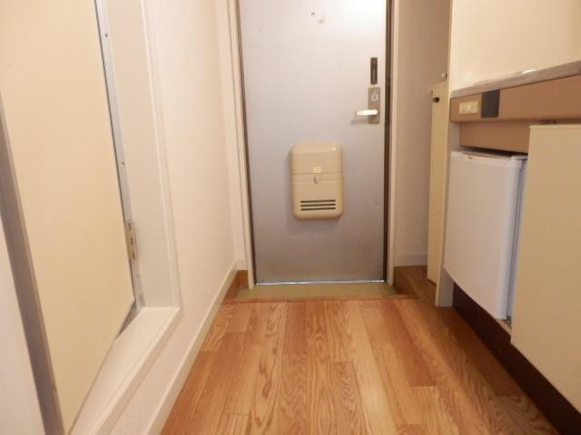 ジュネパレス幕張本郷第2 101号室の玄関