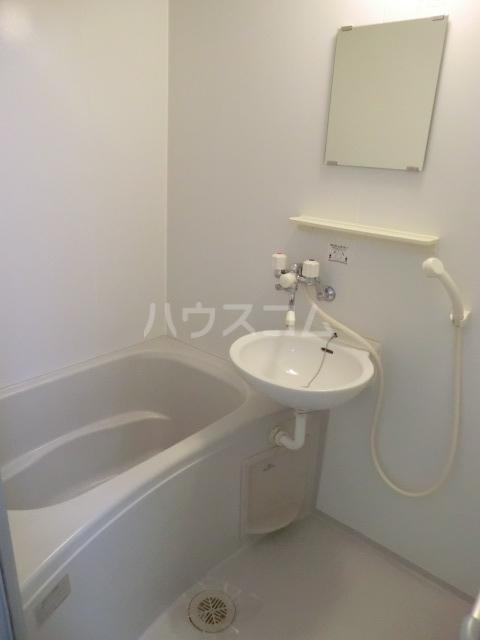 ミニヨンピエース 102号室の風呂