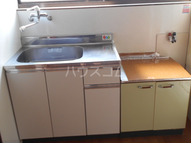 ウチイコーポ 202号室のキッチン