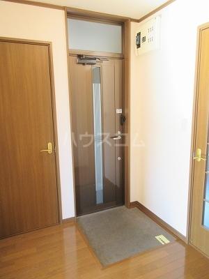 リーヴァスペランツァD 2号室の玄関