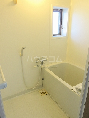 リーヴァスペランツァD 2号室の風呂