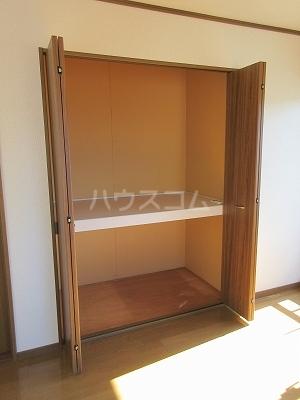 リーヴァスペランツァD 2号室の収納