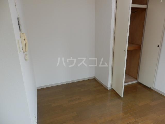 メゾンプレジール 203号室の居室