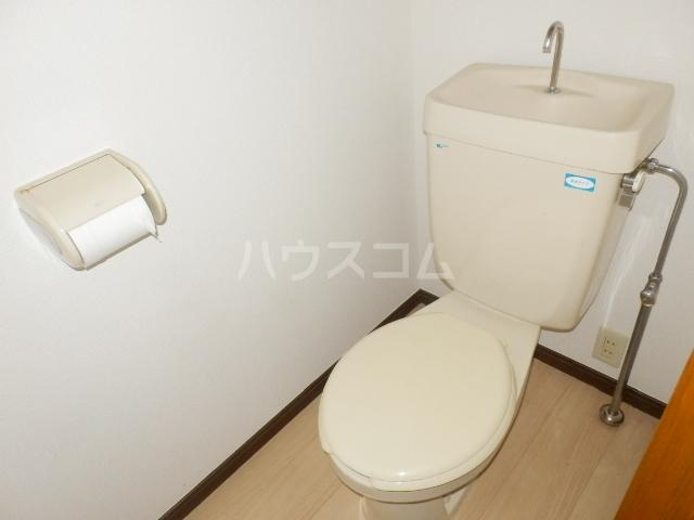 市川アパルトマンB棟 101号室のトイレ