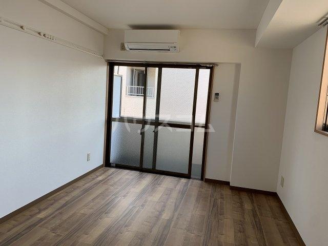 小井川ビル 403号室のリビング