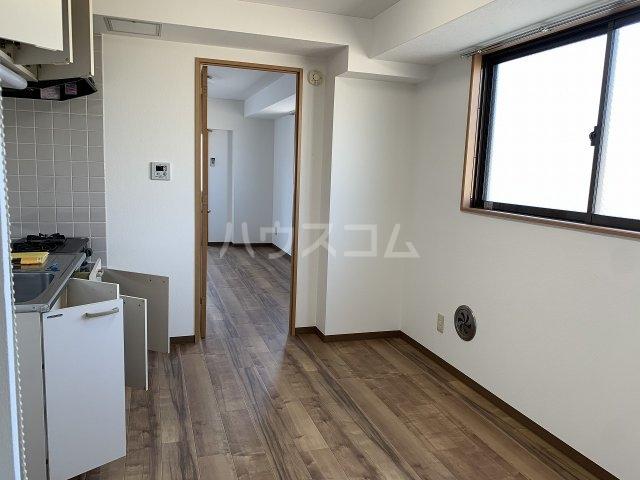 小井川ビル 403号室のキッチン