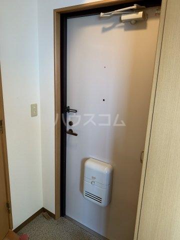 小井川ビル 403号室の玄関