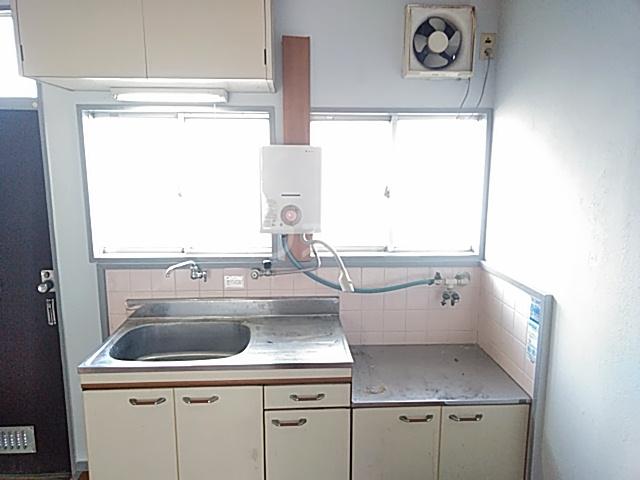 上中条ハイツ 205号室のキッチン