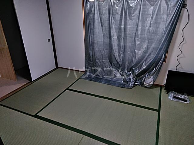 チェリーハイツ 202号室の居室