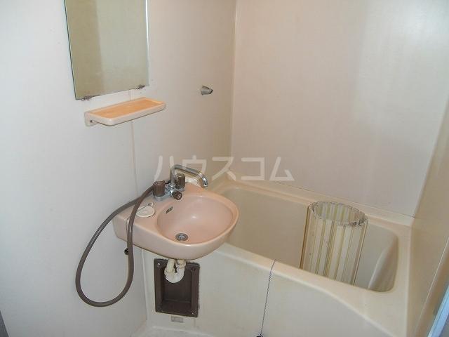 コーポエル朝霞 201号室の風呂
