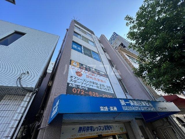 山崎第4マンションの外観