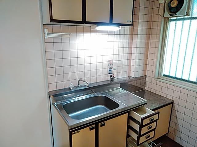 ラ・シャンブル 303号室のキッチン
