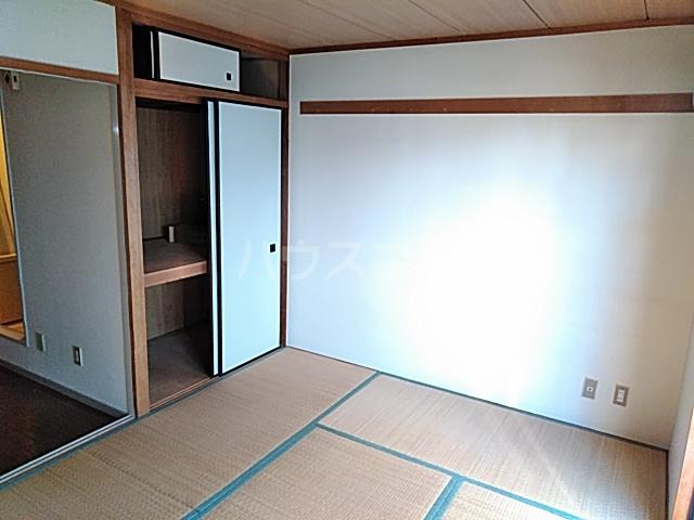 ラ・シャンブル 303号室のベッドルーム