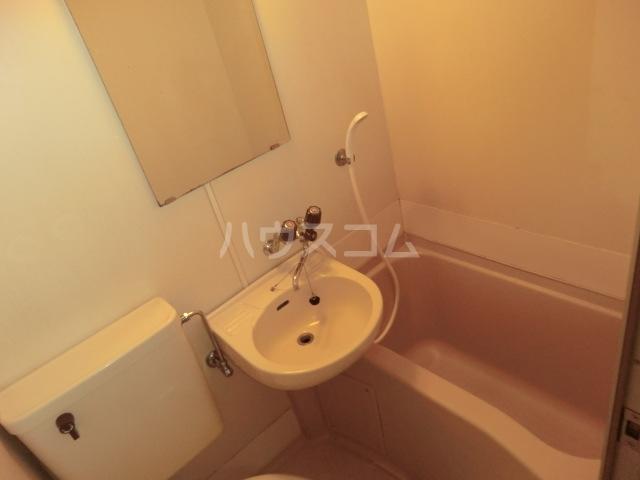 ラ・レジダンス・ド・エトアール 101号室の風呂