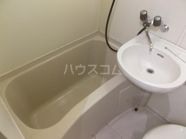 ラ・レジダンス・ド・エトアール 204号室の洗面所